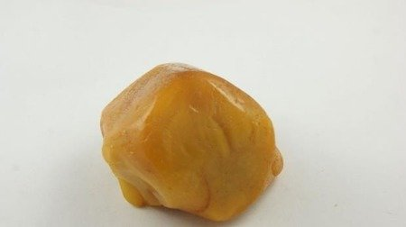 bursztyn naturalny surowy unikat biały królewski 91,1 g
